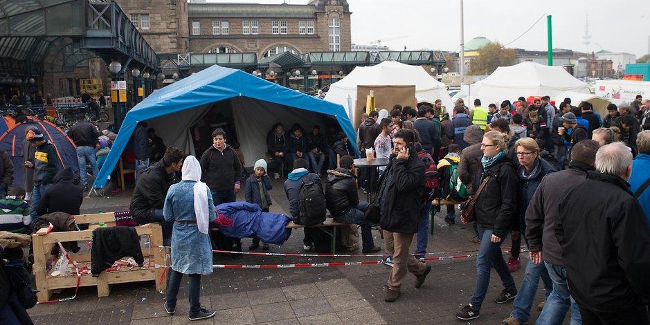 fluechtlingshilfe-am-hamburger-hauptbahnhof